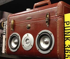 Suitcase Speakerbox